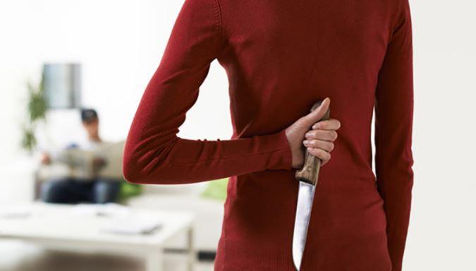 چرا زنان در طول دوران قاعدگی بسیار عجیب رفتار می کنند؟