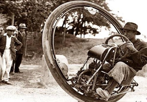 (تصاویر) عجیبترین وسایل نقلیه قدیمی